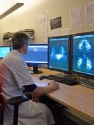 When evaluation mammography images, radiologists at Radboud University Medical Center are supported by artificial intelligence.