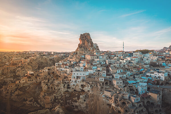 Türkei, Höhlenstadt Ortahisar in Kappadokien