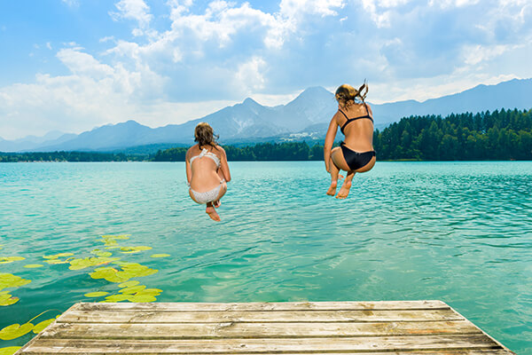Badespaß am Faaker See in Kärnten, Österreich