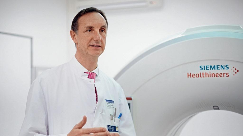 Professor Jürgen Debus is an expert when it comes to Precisely targeted radiotherapy and uses the SOMATOM Confidence RT Pro for the optimization of the Radiotherapy workflow.