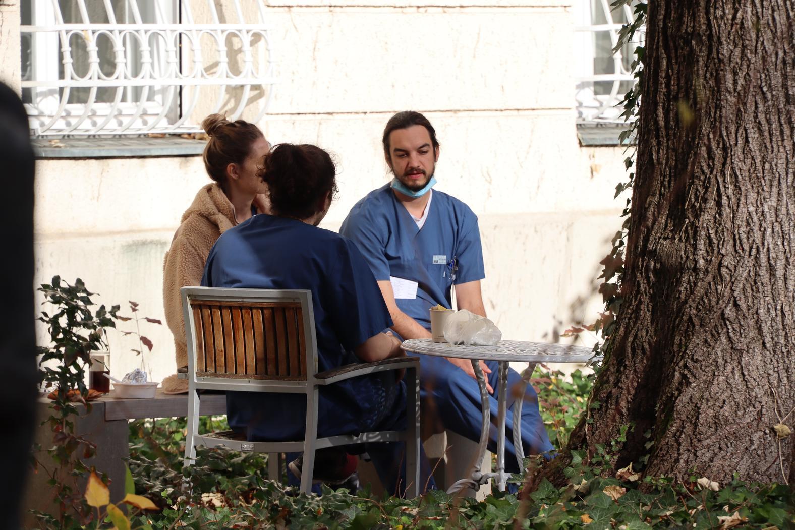 Mitarbeiter Psychiatrie Garten