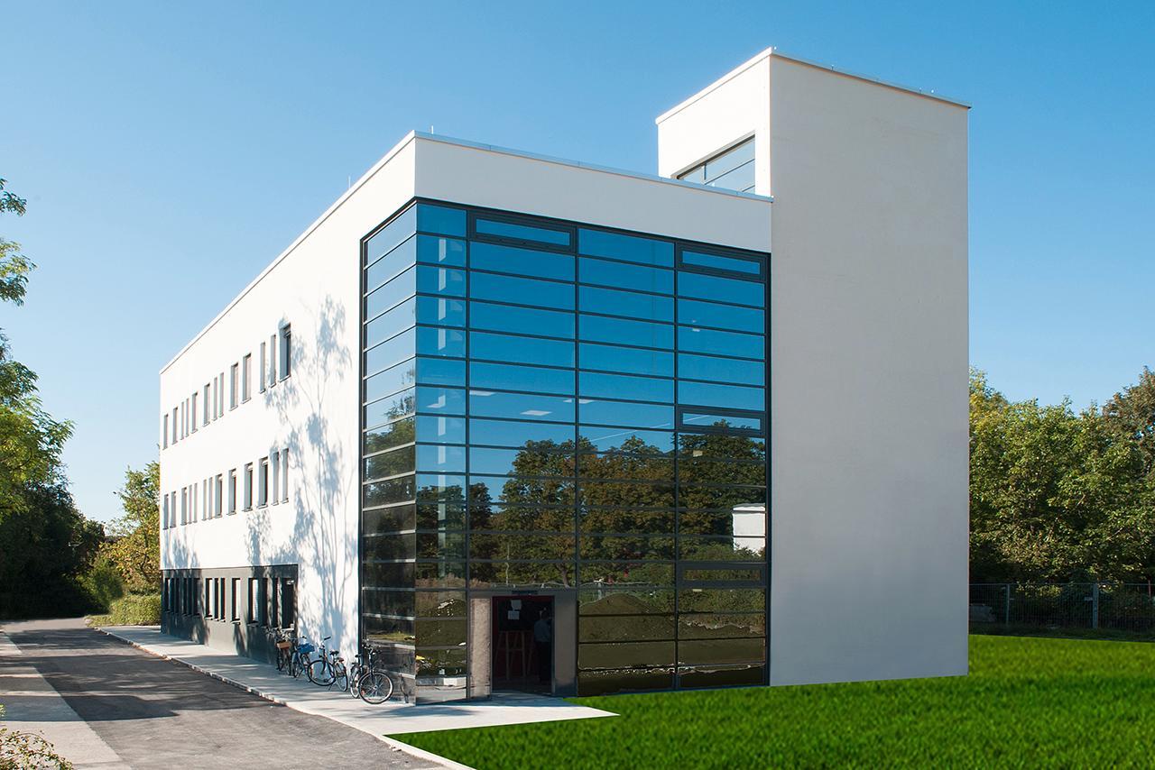 LMU Klinikum München: Im Haus Sigmund befindet sich die Transfusionsmedizin mit modernen Laborräumen.