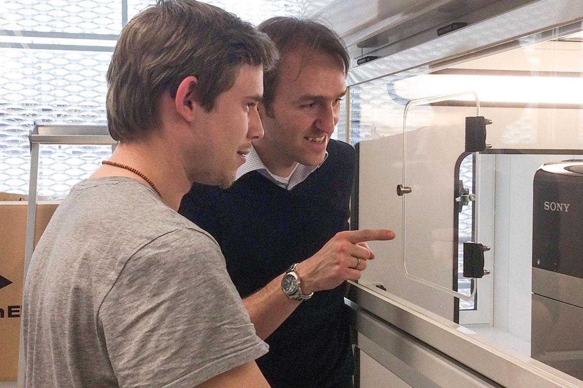 Dennis starting in Paquet Lab