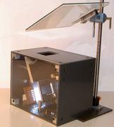 Head-up Display Demonstrator mit berechnetem Freiformabbildungsspiegel