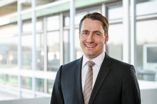Prof. Dr. rer. pol. Tobias Bernecker