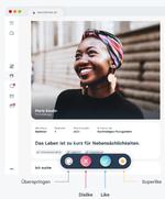 Das Bild zeigt die Nuteroberfläche von Talentefinder in der Desktopansicht. Es zeigt das Profil eines Talents und erläutert die Features Überspringen, Like, Ablehnen und Superlike, welche unterhalb des Profils in Form von Icons in Reihe angezeigt werden.