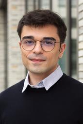 Antonio de Mitri, Absolvent des Studiengangs
