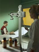 Untersuchung mit der Röntgenkugel, 1965.