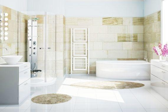 Fliese auf Fliese | Weiß und beige gefliestes Bad