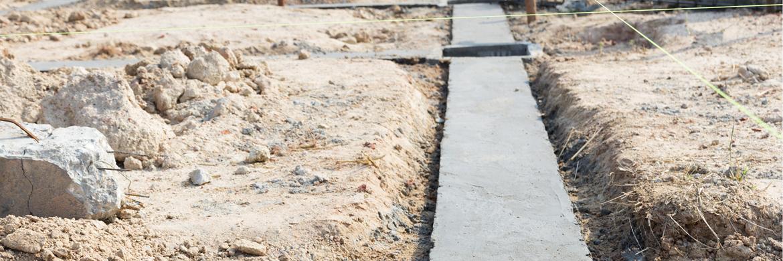 Streifenfundament für den Garten betonieren