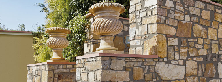 Natursteinmauer selber bauen Steine parallel