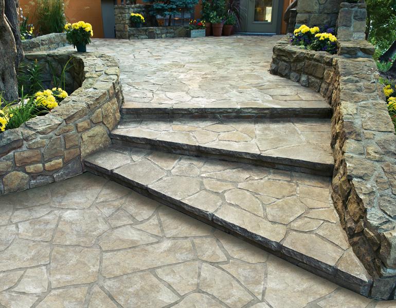 Gartenmauer aus Naturstein einfach selber bauen mit Treppe
