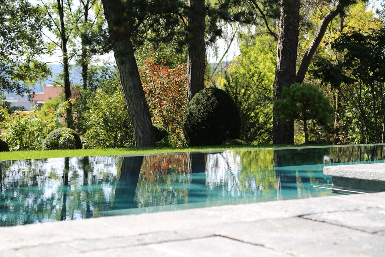 Verarbeitungshinweise | Beckenrand von Swimming-Pool