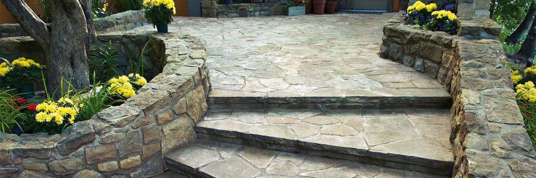 Gartenmauer aus Naturstein | Treppe und Mauer aus Natursteinen