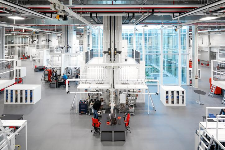 The image shows the technical center in Allendorf (Eder).