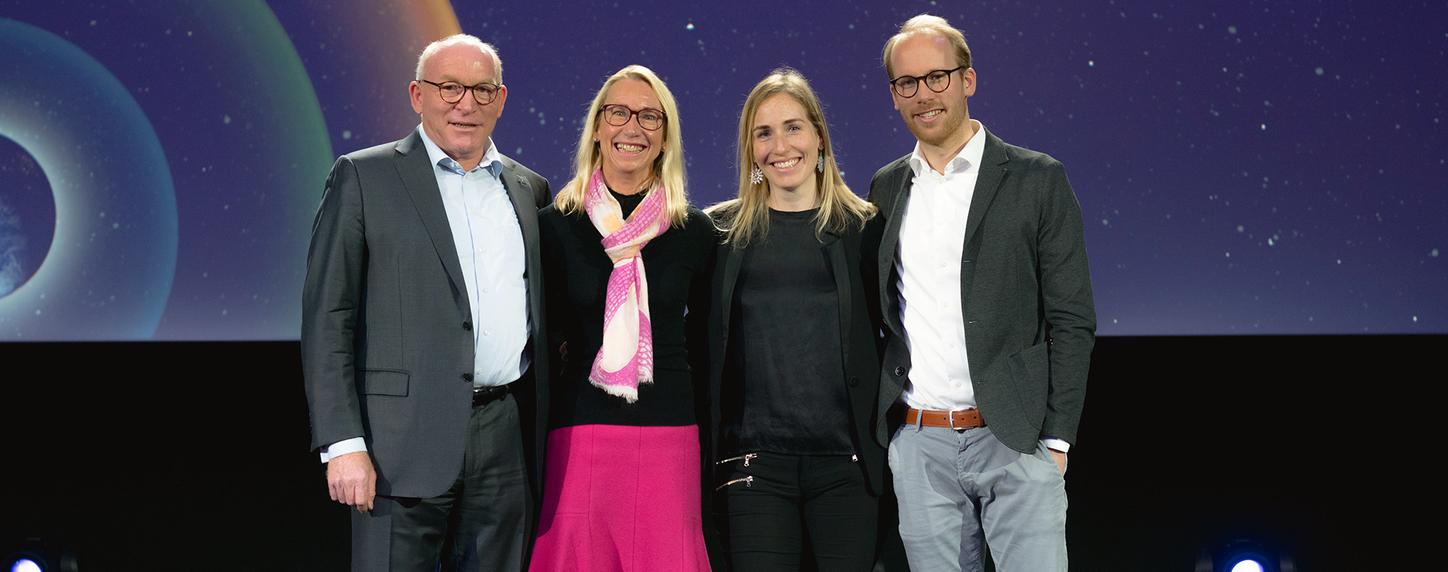 Picture shows Viessmann Family Holding on stage with Prof. Dr. Martin Viessmann, Annette, Katharina Viessmann and Maximilian Viessmann