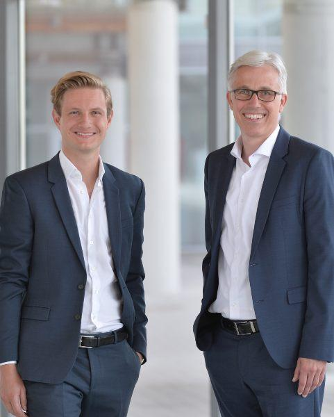 The image shows the managing directors of VC/O Tobias Rappers and Prof. Dr. Markus Pfuhl.
