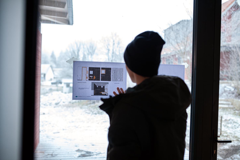Das Bild zeigt Eric Frenzel mit der Planung.