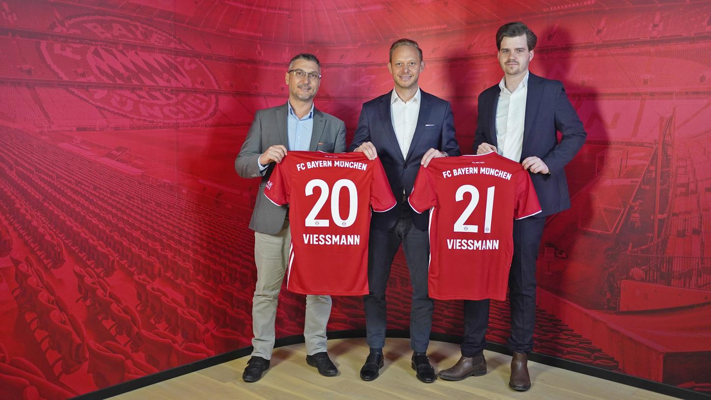 Viessmann and FC Bayern München expand their successful partnership in Southeast Asia: Dario Damati, Managing Director Viessmann China Hong Kong, Rouven Kasper, President Asia FC Bayern München and Alexander Ziehe Director of Business Development Asia-Pacific (from left to right).