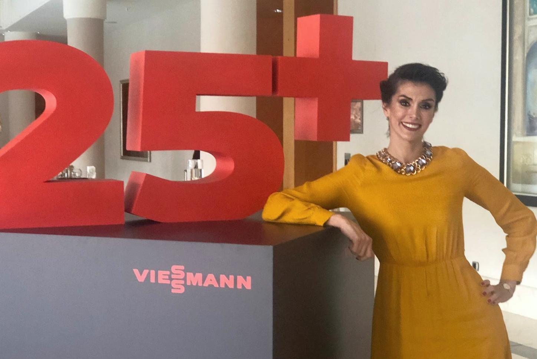 Das Bild zeigt Marketing Managerin Sinem Aydın Şener.