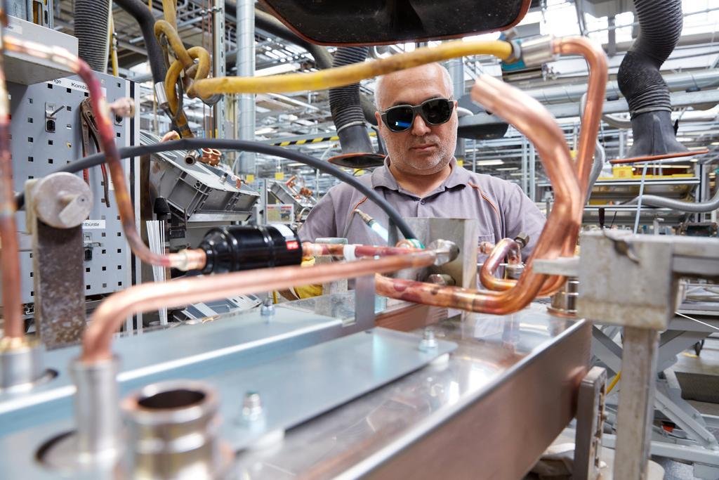 Viessmann Mitarbeiter in der Produktion