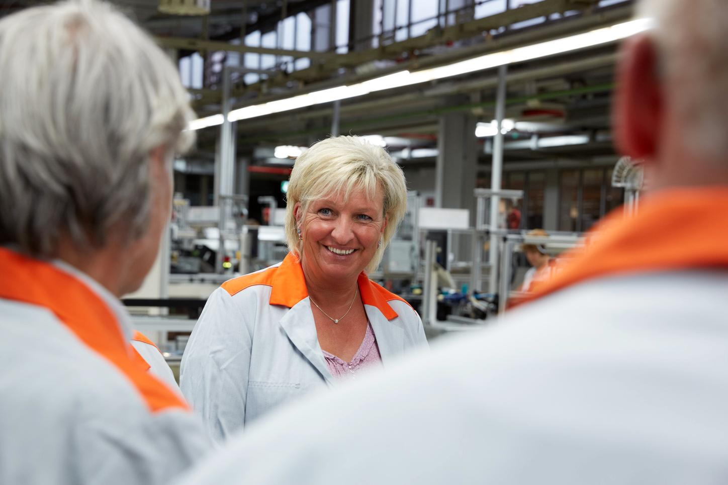 Viessmann employee in production