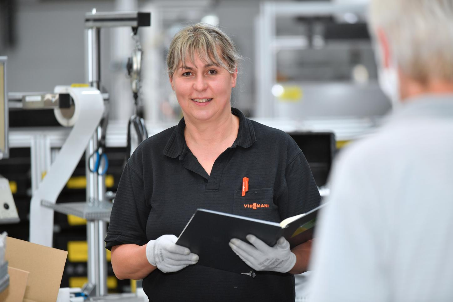 The picture shows Jutta Staubus in production.