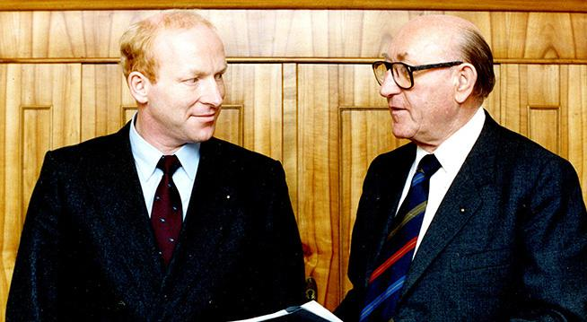 The picture shows Dr. Hans Viessmann and his son Martin Viessmann.