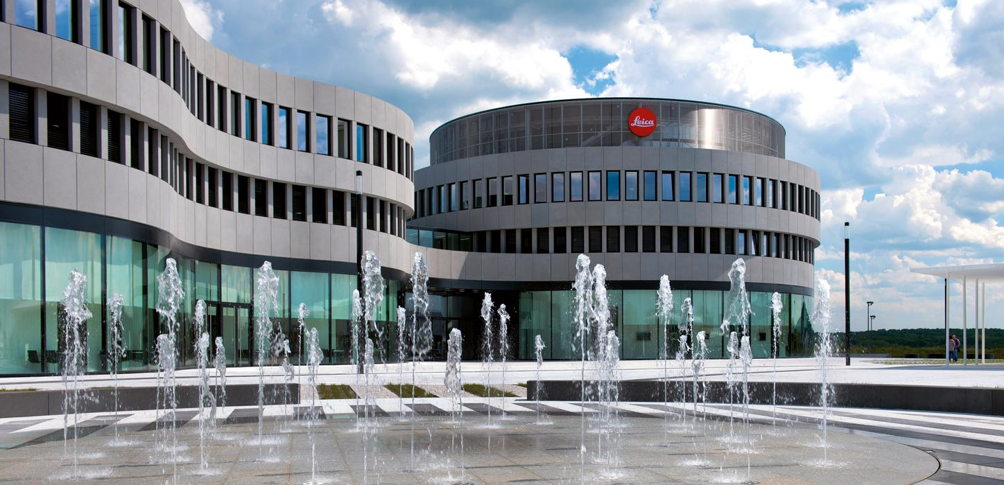 The image shows the Leica administration building.