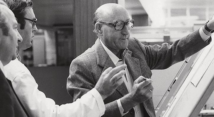 The image shows Hans Viessmann.