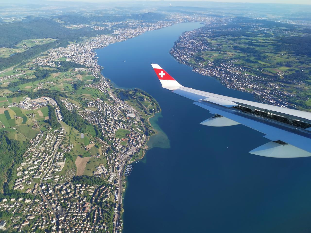 Ein Instagrammable Place begegnete uns schon auf der Hinreise: Der Ausblick aus dem Flugzeug.
