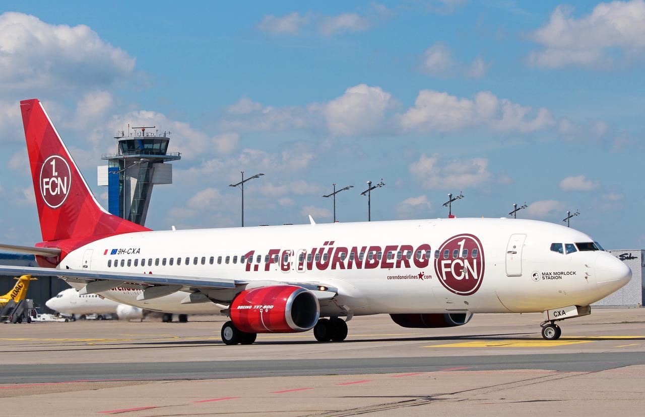 Corendon Airlines im Design von 1. FC Nürnberg