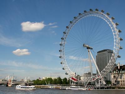 Das London Eye an der Themse