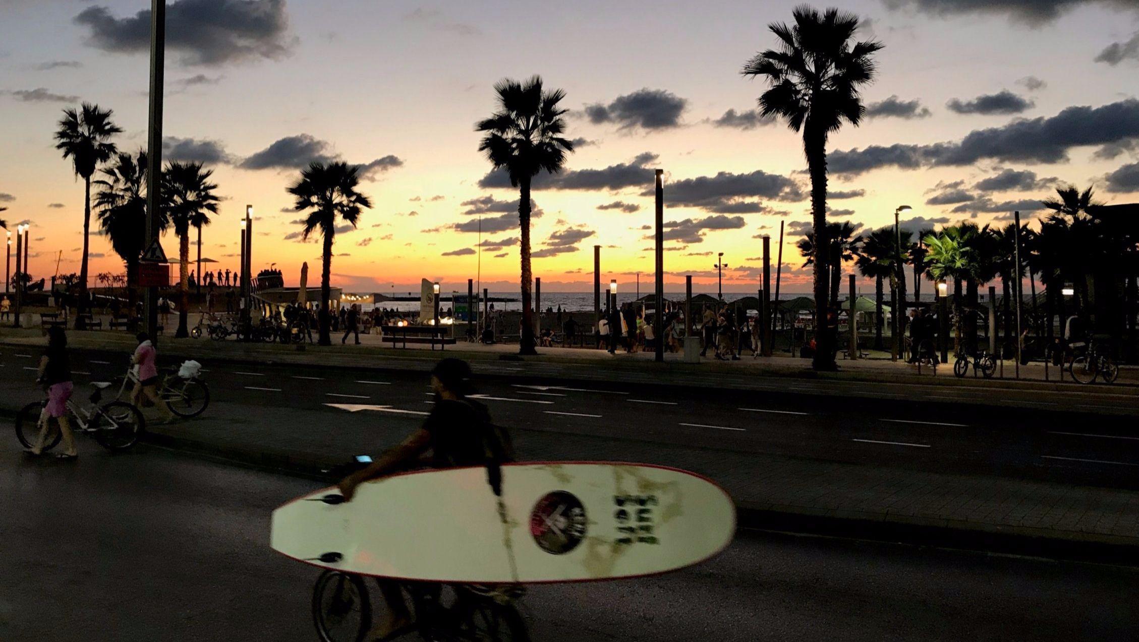 Am Stadtstrand von Tel Aviv