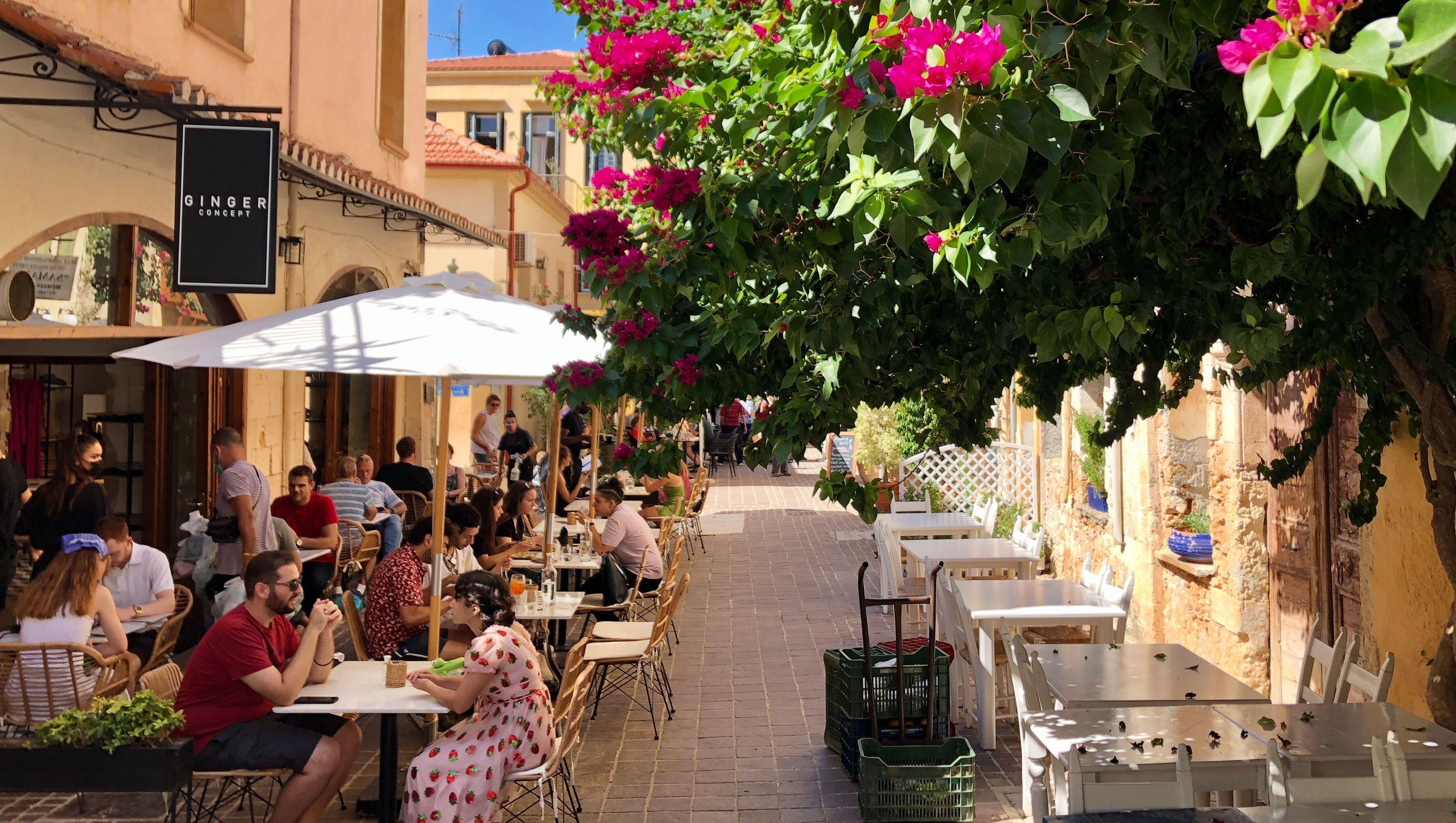 Bars, Restaurants und Tavernen