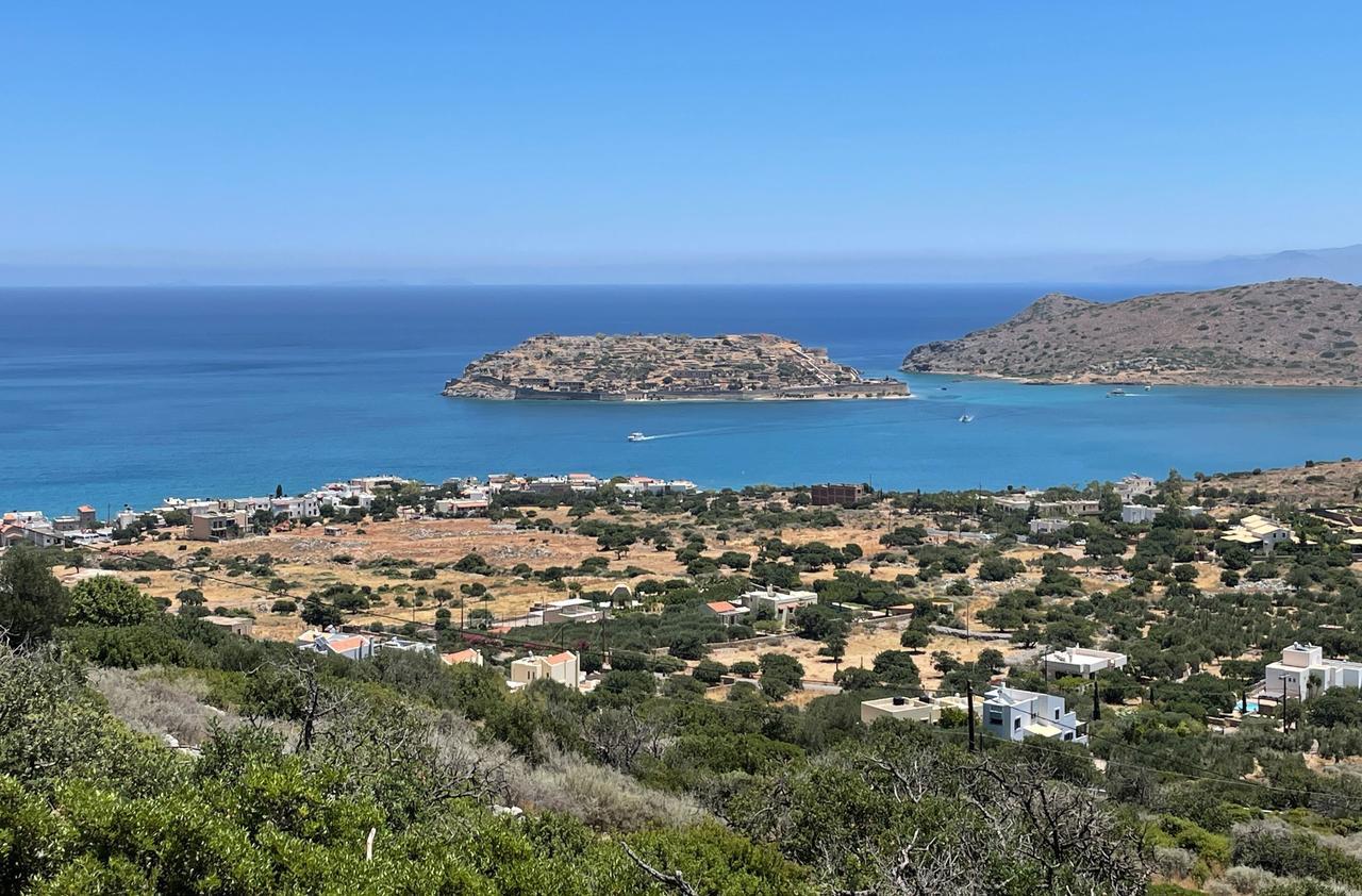 Während der Autofahrt: Ausblick auf die Insel Spinalonga.