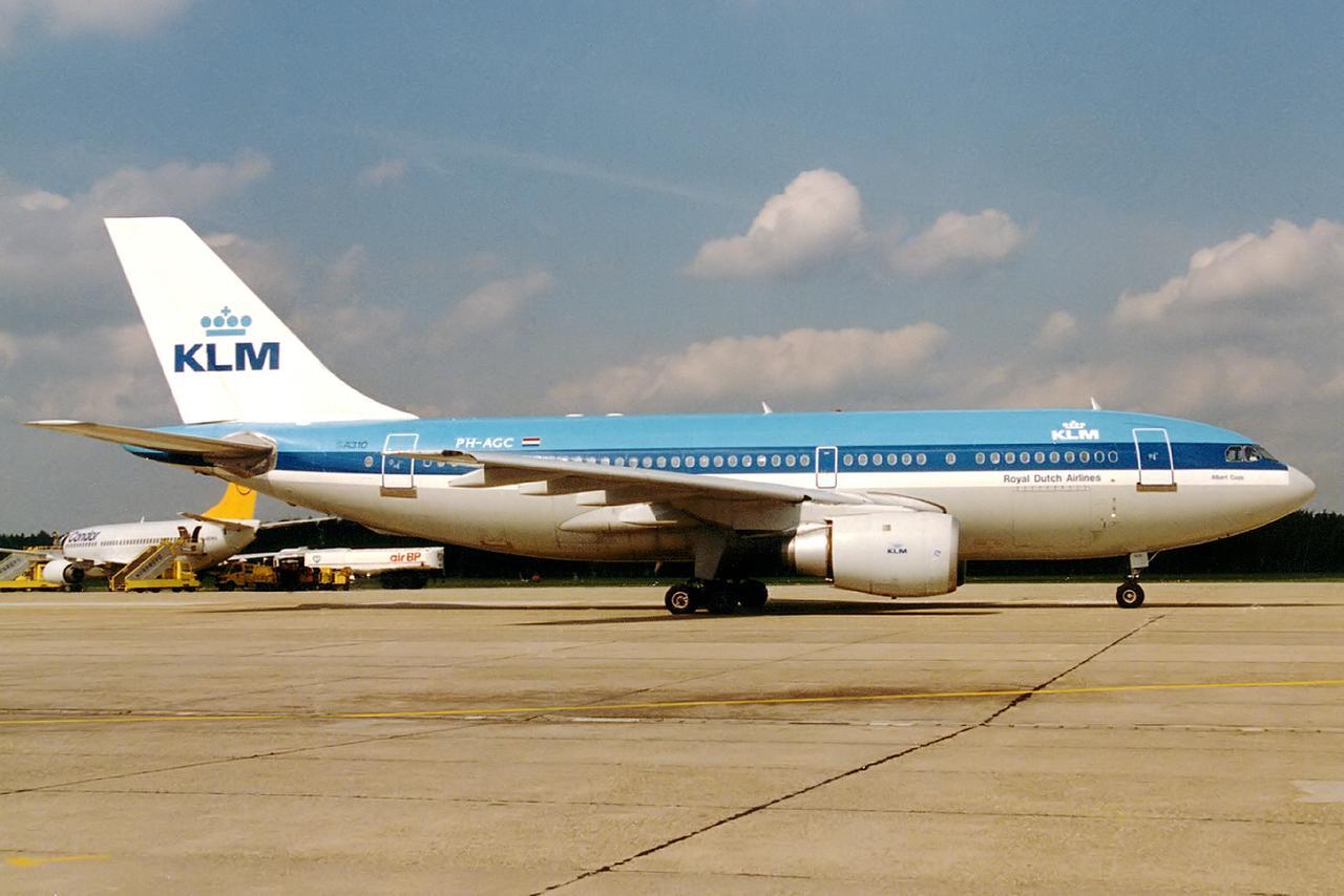 Sonderflug eines Airbus A310 der KLM im Jahr 1988. An Bord der 1. FCN auf dem Weg zu seinem legendären Europapokal-Auswärtsspiel bei AS Rom, das 2:1 gewonnen wurde.