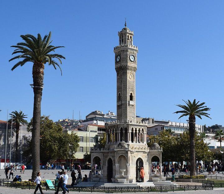 Der Uhrturm von Izmir