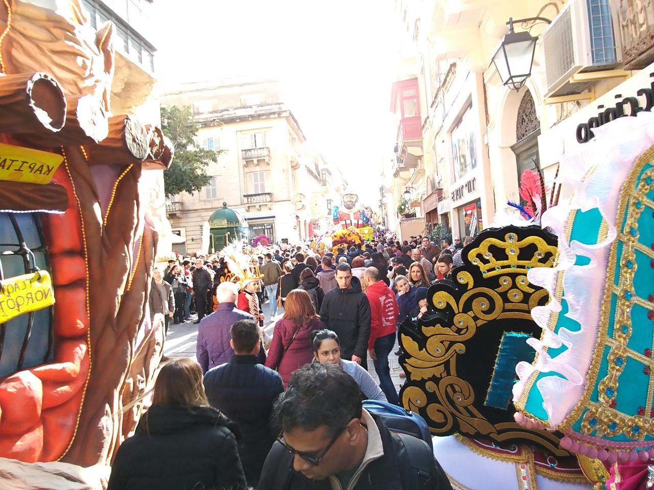 Maltas schriller Karneval ist beliebt bei Einwohnern und Touristen.