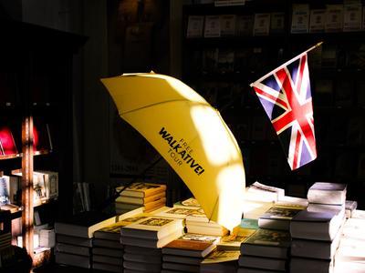 Die Gästeführer sind durch gelbe Schirme erkennbar.