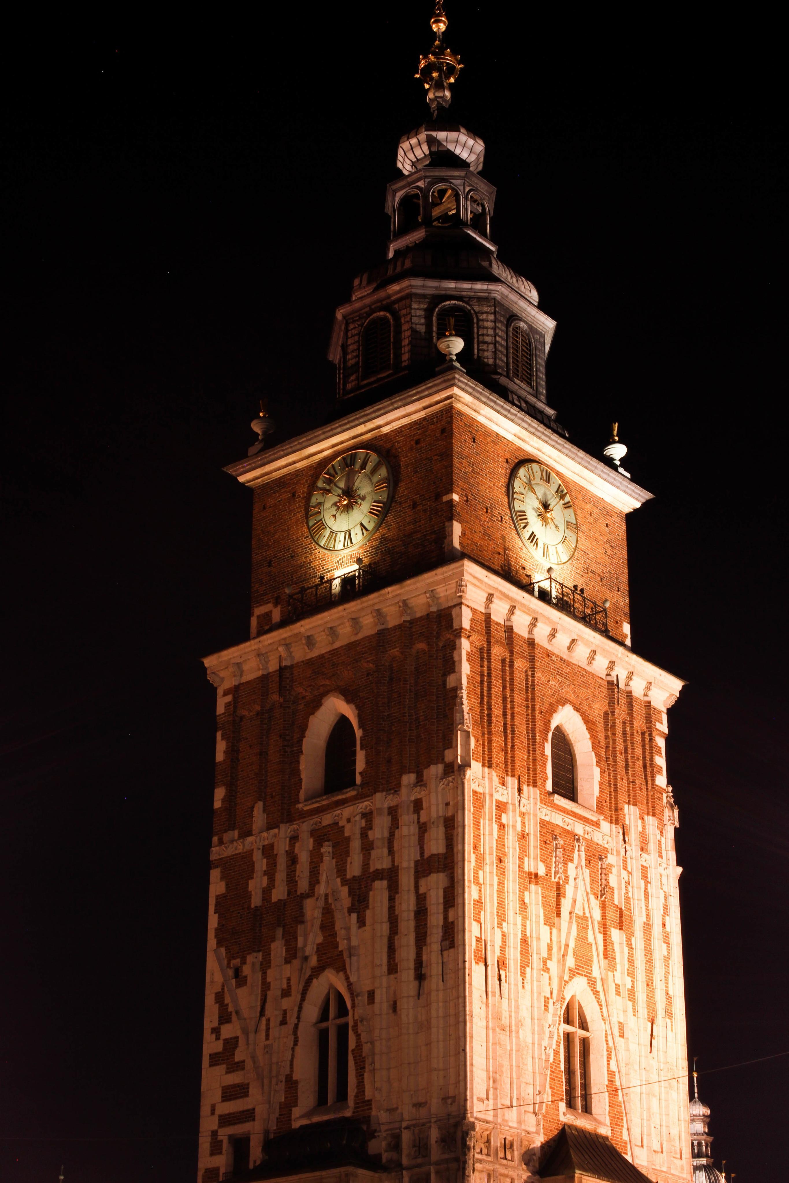 Rathausturm am Rynek Glowny.