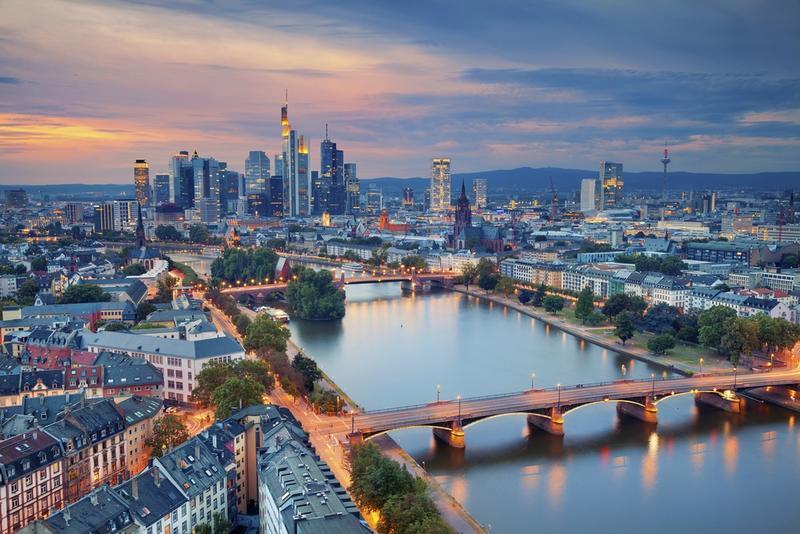 Frankfurt shutterstock 478007047