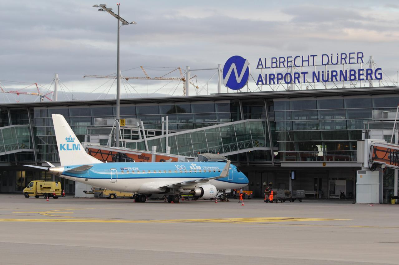 KLM mit Dachmarke