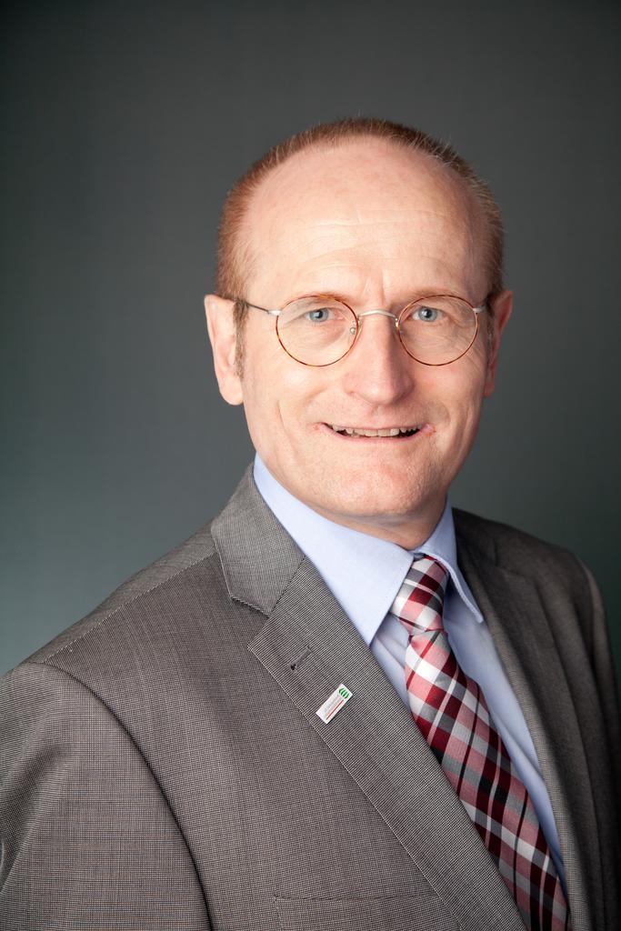 Portrait von Herrn Simon