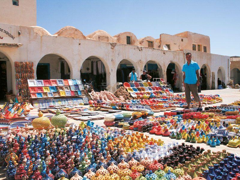 tunesien tataouine makrt berge und meer