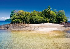 panama isla de coiba berge und meer