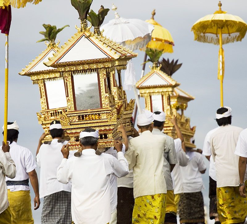 indonesien religion berge und meer