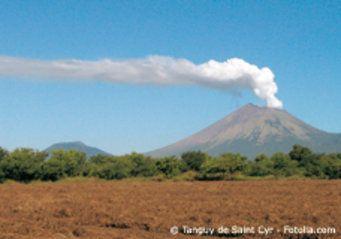 nicaragua vulkan masaya berge und meer