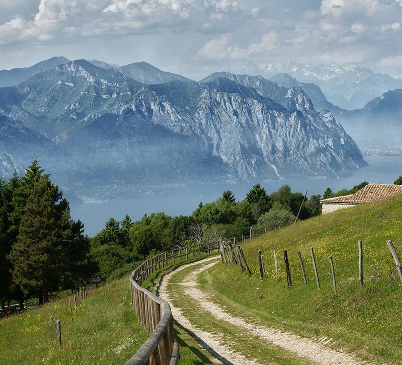 italien venetien berge und meer