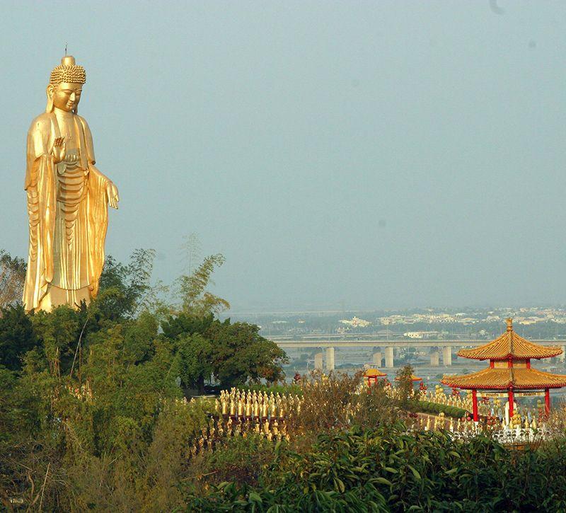taiwan foguanshan kloster berge und meer